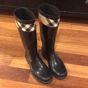 Burberry Rain Boots!
